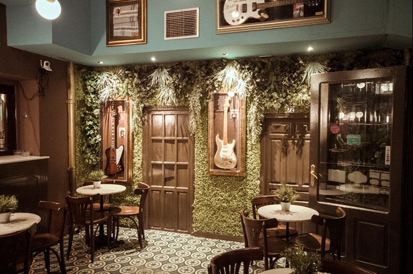 adriana-ramiro_diseno_interiorismo_hosteleria_cafe-central_01