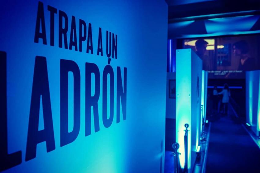 adriana-ramiro_diseno_interiorismo_eventos_diseno-3d_premiere_cines-callao_paramount_channel_atrapa-a-un-ladron_04